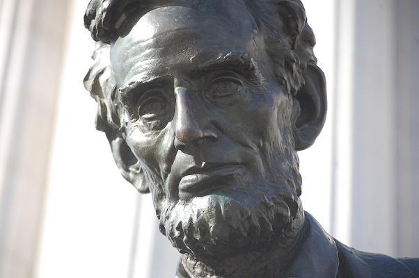 [Image: statue2054.JPG]